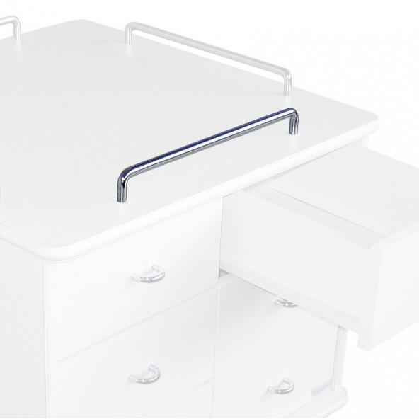 4 guard rails on upper tray